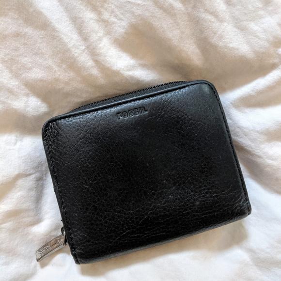 Fossil Handbags - Vintage Fossil Black Leather Wallet